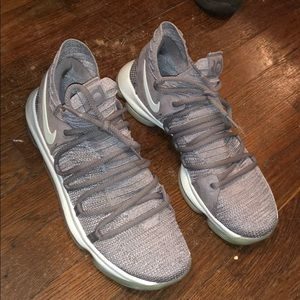Kevin Durant's igloo tens